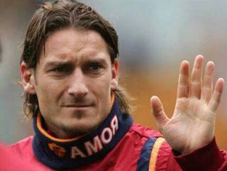 Jelang Usia 40 Tahun, Francisco Totti Tetap Dapat Perpanjang Kontrak AS Roma