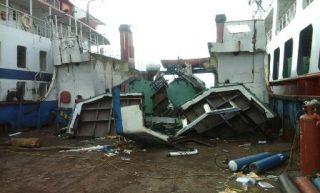 Sempat Jadi Penyumbang PAD Milyaran, Kapal LCT Putri Sri Tanjung Dikilokan