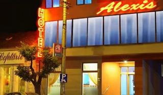 Dikenal Dengan Layanan Terapis Wanita Cantik Impor, Ijin Hotel Alexis Tidak Diperpanjang