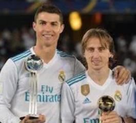 Modric & Ronaldo Raih Trofy Kejuaraan Piala Dunia Klub, Madrid Raih Trofy 5 Kali Dalam Setahun