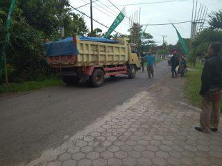 Truck Galian C Nakal Di Wangkal Dihadang Warga