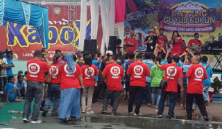 Reni Farida Dan Wartawan Ikut Goyang Warga Binaan Lapas Banyuwangi