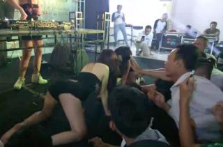 Di Gedung Wanita Paramita Kencana, Pameran dan Modifikasi Mobil Dimeriahkan Tarian Erotis