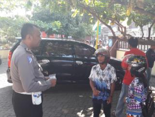 Operasi Semeru : Tak Bawa Kelengkapan, Pengendara Baca Pancasila