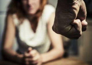 Dalam Proses Cerai, Istri Laporkan Suami