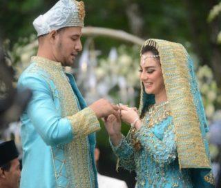Intip Keseruan, Resepsi Pernikahan Ammar Zoni – Irish Bella Dihutan Pinus
