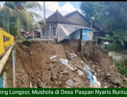 Membahayakan, Mushola di Desa Paspan Nyaris Runtuh Karena Tebing Longsor Belum Diperbaiki