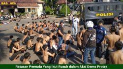 Demonstrasi Pemuda Tolak PPKM Darurat Berujung Ricuh dan Lemparan Batu
